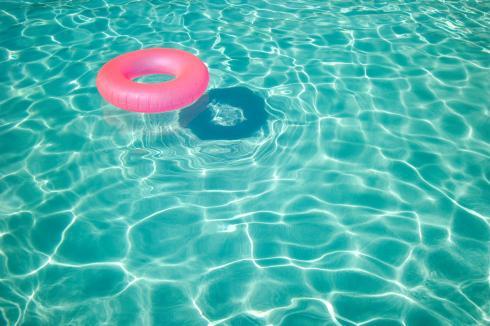 Fresh-Water-Pool-Summer
